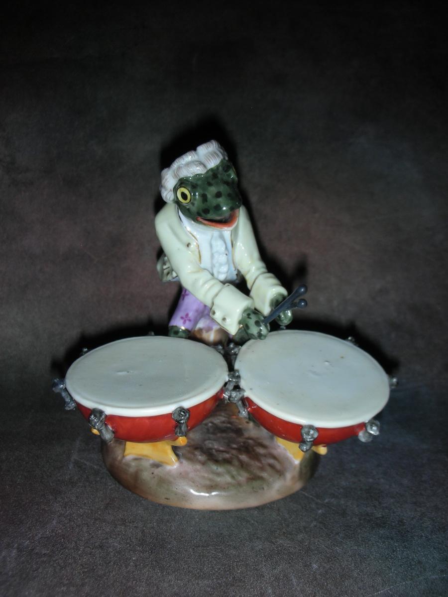 «Лягушка с барабанами»