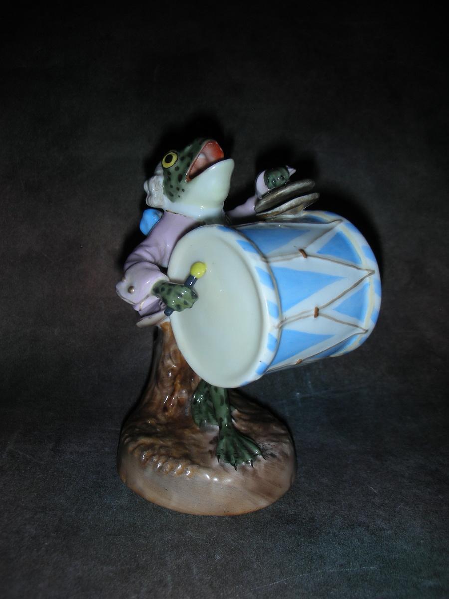 «Лягушка с барабаном»