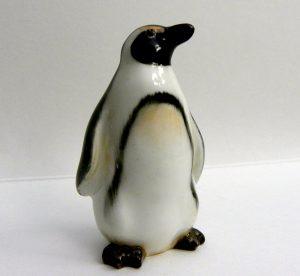 ФОТО  3. Пингвин, модель К25, 5,7 см,годы производства 1940-1968 .г.г.