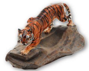 ФОТО 6. Разработка  Ч.Ноука 1940-го г. «Тигр на скале», 10 см
