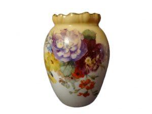 ФОТО  6. Ваза с цветочным декором, 7 см, конец XIX в. (ещё до получения Doulton королевского статуса)2