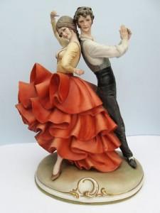 «Испанский танец», бисквит, полихромные эмали, 28,5 см; дизайн Бруно Мерли под собственным брендом.