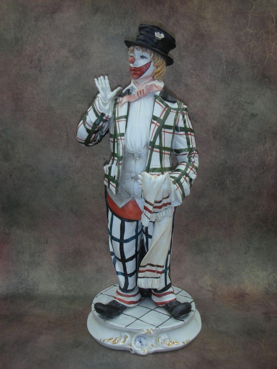 «Клоун в цилиндре»